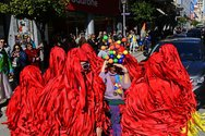 Οι βούρτσες της Πάτρας 'καθάρισαν' την πρόεδρο του Καρναβαλικού Οργανισμού