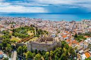 O Guardian συστήνει στο αναγνωστικό κοινό του την Πάτρα, ως μία πόλη με πλούσιο πολιτιστικό ενδιαφέρον!