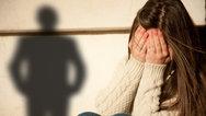 Λαμία: Στη φυλακή ο πατέρας που άφηνε τους φίλους του να ασελγούν στην ΑμεΑ κόρη του