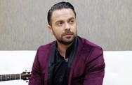 Ηλίας Βρεττός - Σε δικαστική διαμάχη για το τραγούδι «Τ' ανείπωτα» (video)
