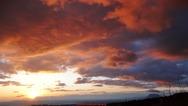 Πάτρα - Η στιγμή που ο ήλιος 'ζωγραφίζει' τα σύννεφα (φωτο)