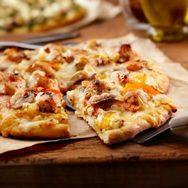 Πίτσα με κοτόπουλο και ανανά
