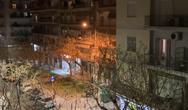 Θεσσαλονίκη: Βιολιστής βγήκε σε μπαλκόνι και έπαιξε Λοΐζο και Bella Ciao (video)