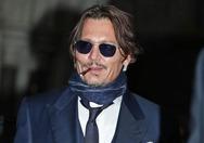 Johnny Depp - Στα δικαστήρια με τη Sun για τη διαμάχη με την Αmber Heard