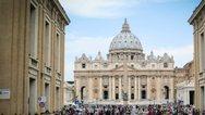 Βατικανό - «Άφεση αμαρτιών» στους πιστούς που επλήγησαν από τον κορωνοϊό