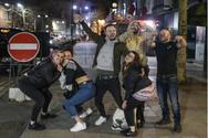 Βρετανία - Κορωνοϊός: Επιδρομή νεαρών στις παμπ λίγες ώρες προτού βάλουν λουκέτο