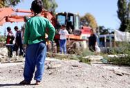 Κορωνοϊός: 2,25 εκ. ευρώ σε δήμους για την προστασία των Ρομά - Τα ποσά για τη Δυτική Ελλάδα