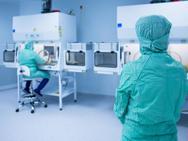 Στη μάχη κατά του κορωνοϊoύ και το εργαστήριο μικροβιολογίας του ΕΚΠΑ