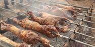 Πάτρα: Σε αναμμένα κάρβουνα οι κρεοπώλες για το σούβλισμα του οβελία