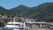Κορωνοϊός - Άγιον Όρος: Σε καραντίνα οι 50 προσκυνητές που επέβαιναν στο ίδιο καράβι με τον μοναχό