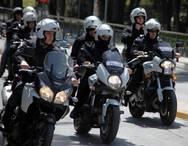 Πάτρα: 'Σαρώνουν' το κέντρο αστυνομικοί της ομάδας ΔΙΑΣ και ελέγχουν