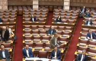 Ο Κ. Τασούλας κάλεσε τον Ευ. Τσακαλώτο να καθίσει στα έδρανα της... ΝΔ (video)