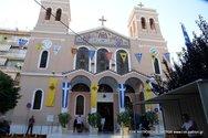 Πάτρα: Ο ιερέας άνοιξε το ναό για ατομική προσευχή και προσήλθαν οι πιστοί