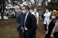 Κυριάκος Μητσοτάκης - Επισκέφθηκε το νοσοκομείο «Σωτηρία» με μάσκα