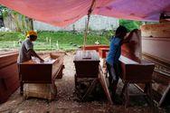 Ισημερινός - Κορωνοϊός: Κρατούμενοι φτιάχνουν φέρετρα (video)