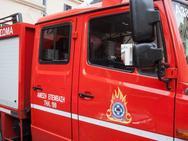 Πάτρα - Όχημα τυλίχθηκε στις φλόγες στην Οβρυά
