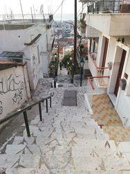 Πάτρα - Στα σκαλάκια της συνοικίας Τριτάκη (φωτο)