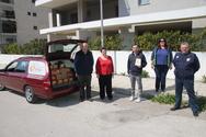 Πάτρα: Οι Σοκολατορίχτες παρέδωσαν καρναβαλικό υλικό στο 'Φωτεινό Αστέρι' (φωτο)