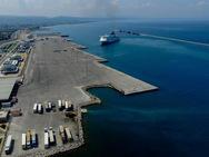 Πάτρα: Φωτιά σε ρυμουλκό πλοίο στο νέο λιμάνι