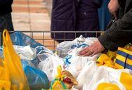 Ναύπακτος - Ξεκίνησε η διανομή τροφίμων και ειδών υγιεινής στους οικονομικά ευάλωτους δημότες