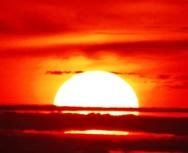 Φλογισμένο ηλιοβασίλεμα στην Πάτρα - Μαγικό