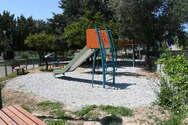 Σε εξέλιξη εργασίες σε παιδικές χαρές της Πάτρας (φωτο)