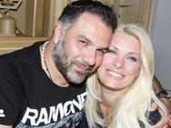 Ο Γρηγόρης Αρναούτογλου αγκαλιά με την Ελένη Μενεγάκη!
