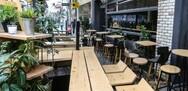 'Empty chairs' και στην Πάτρα - Η εστίαση διαμαρτύρεται συμβολικά στις 6 Μαΐου