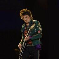 O Ronnie Wood των Rolling Stones πουλάει τους πίνακές του!