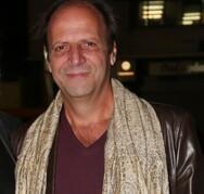 Ο Δημήτρης Αποστόλου έγραψε νέα σειρά με τον Αλέξανδρο Ρήγα (video)