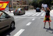 Ισπανία: Διαμαρτύρονται για την καραντίνα οι ακροδεξιοί