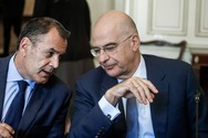 Παναγιωτόπουλος και Δένδιας ενημερώνουν τη Βουλή για τον Έβρο