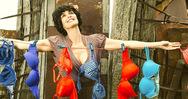 Η ταινία 'Τhe bra' μέσα από την κριτική της Σταματίας Καλλιβωκά (pics+video)