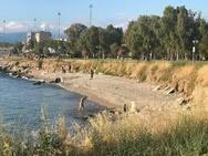 Πάτρα: Άνδρας, κόντρα σε όλα, βούτηξε στη θάλασσα, στο Νότιο Πάρκο!