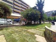Πάτρα: Στην πλατεία Όλγας ο παλιός χλοοτάπητας του Παμπελοποννησιακού σταδίου