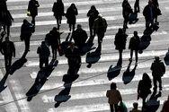 Bloomberg: Η αργή επανεκκίνηση του τουρισμού απειλεί να αυξήσει την ανεργία στην Ελλάδα