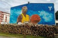 Βοσνία - Ο Κόμπι Μπράιαντ σε μια τεράστια τοιχογραφία!