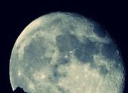 Σκοτεινή νύχτα, μαγική σελήνη στην Πάτρα - Δείτε την όταν ανατέλλει