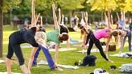 Yoga 4 the People στην Πλαζ