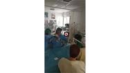 """Πάτρα: Γιατροί """"ήρωες"""" έσωσαν τον μικρό Οδυσσέα - Είχε καταπιεί καρύδι (video)"""