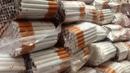 Πάτρα - Τους 'τσάκωσαν' στη λαϊκή αγορά να πωλούν λαθραία τσιγάρα