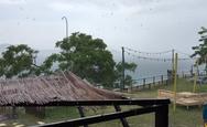 Καιρός: Καταρρακτώδης βροχή στη Χαλκιδική - Υπερχείλισε ποτάμι στις Σέρρες (video)