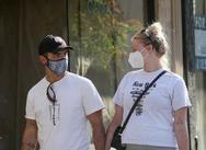 Ο φακός απαθανάτισε την εγκυμονούσα Sophie Turner στους δρόμους του Los Angeles (φωτο)