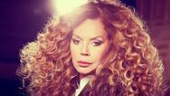 Ελένη Δήμου: 'Είναι ανεπίτρεπτο να κακοποιείται το τραγούδι' (video)