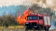 Δυτική Αχαΐα: Ανατροπή πυροσβεστικού οχήματος στη φωτιά στο Τζάϊλο - Εγκλωβίστηκαν 2 άντρες