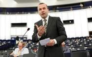 Βέμπερ: 'Θα βοηθήσουμε την Ελλάδα να προστατέψει τα σύνορά της'