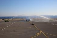 Με αψίδες νερού και λύρες η υποδοχή της πρώτης διεθνούς πτήσης στην Κρήτη