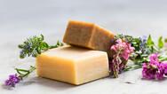 Έφτιαξε σαπούνια από μητρικό γάλα στη Βρετανία