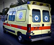 Λάρισα: Υποχώρησε τζαμαρία στον ΟΑΕΔ - Ένας τραυματίας