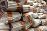Θεσσαλονίκη: Έκρυβαν σχεδόν 2.000 πακέτα λαθραίων τσιγάρων σε σπίτι